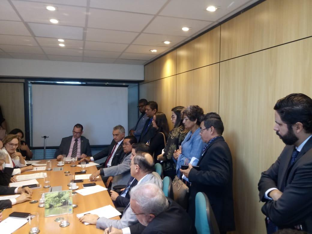 4f93dec28 Reunião do Presidente da CNPA Walzenir Falcão com o Secretário Nacional da  Pesca Jorge Seif; 5 Deputados Federais e 3 Senadores da República do Estado  do ...